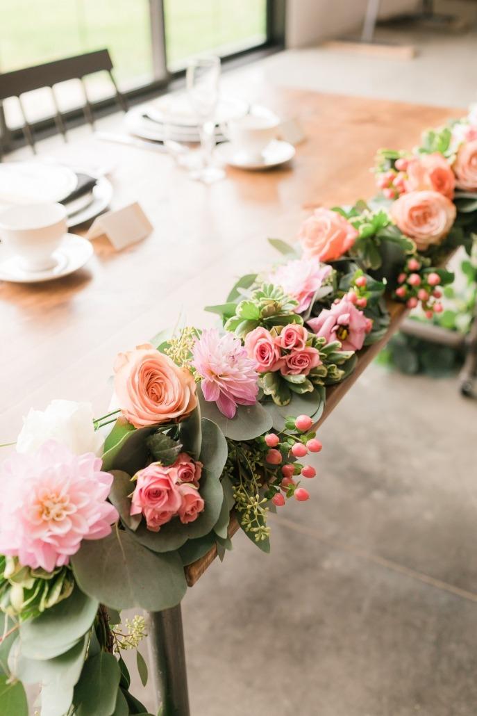 Elegant Floral Arrangement for Wedding
